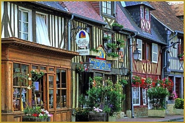Photos De Beuvron En Auge Basse Normandie Photos Des Plus Beaux Villages De France France Beaux Villages Village Francais Basse Normandie