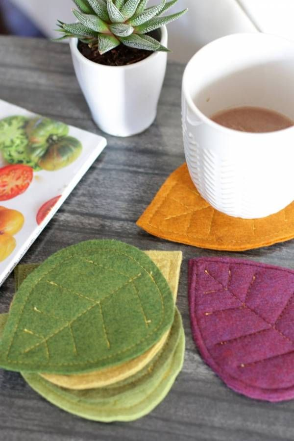 Sewing tutorial: Fall leaves felt coasters #feltcreations