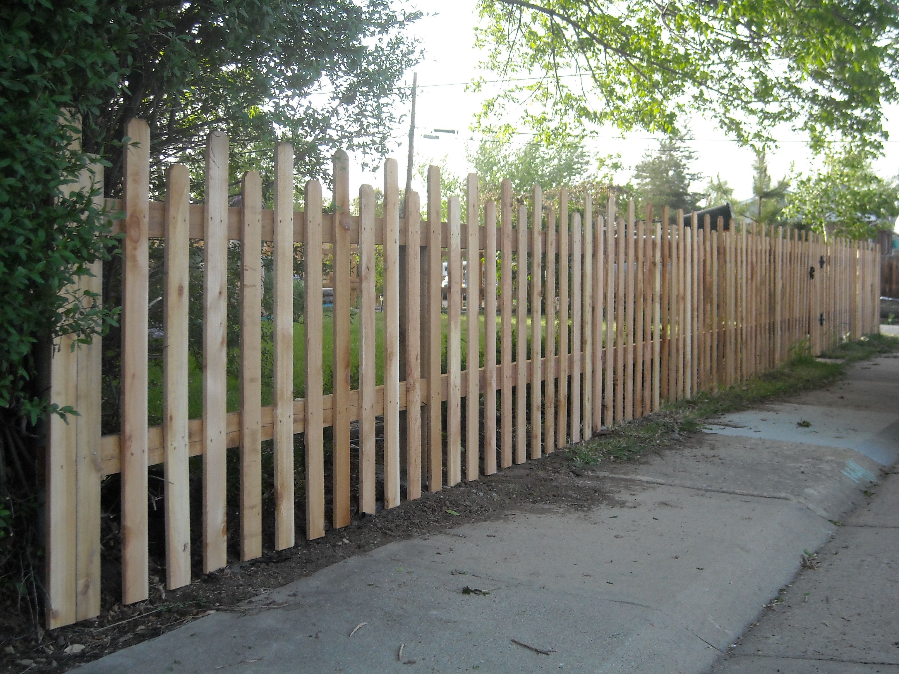 tall picket fence fence ideas pinterest front yard