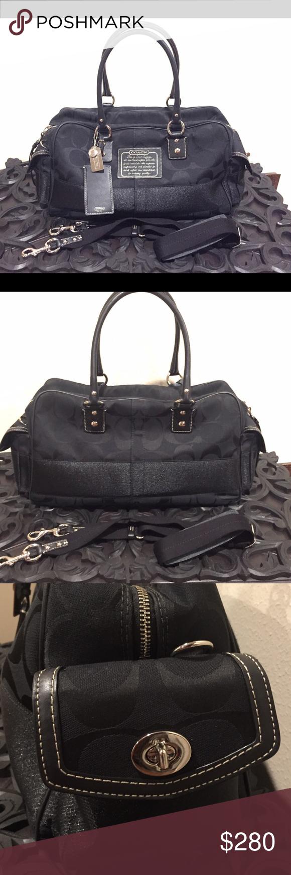 de1b906c1b Authentic beautiful COACH travel duffle bag AUTHENTIC BEAUTIFUL COACH  SIGNATURE LARGE TRAVEL DUFFLE BAG - IN