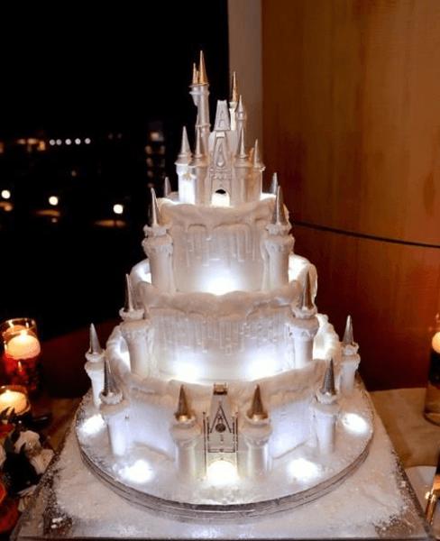 Verrückte Hochzeitstorten gesucht? Pinterest-Künstler zeigen, wie Harry Potter, Super Mario & Co. mit von der Partie sein können!