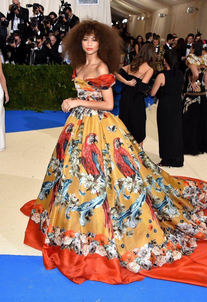 Yellow dress rihanna   Twitter  zendaya  Pinterest  Rihanna The oujays and Zendaya