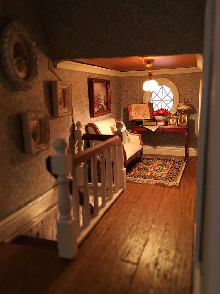 Captivating Fairfield Dollhouse 1:24 Scale   3F Corridor