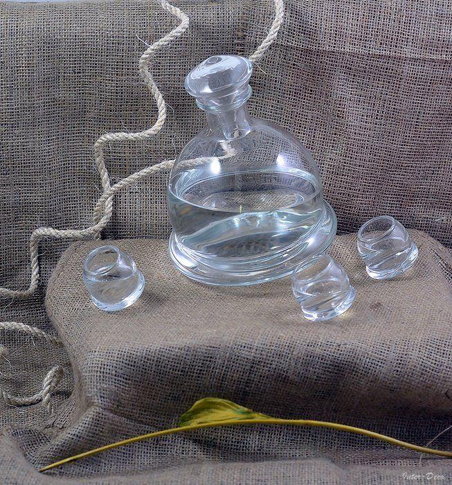 Rocking glass carafe - decanter - Carafes and Decanters - Inter-Deco.eu