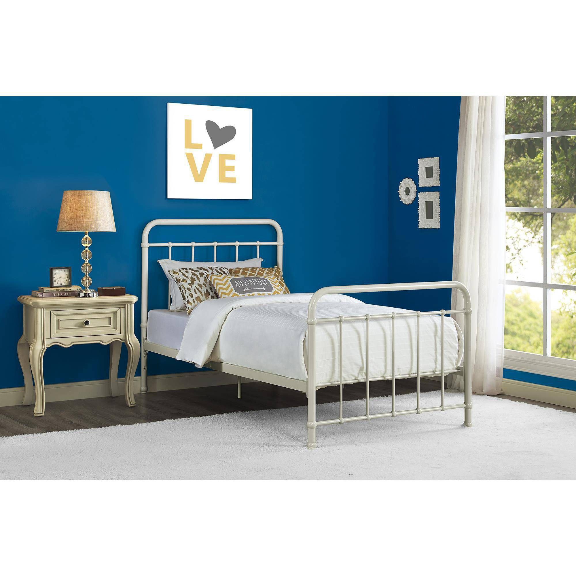 Better Homes and Gardens Kelsey Metal Bed, Multiple Sizes