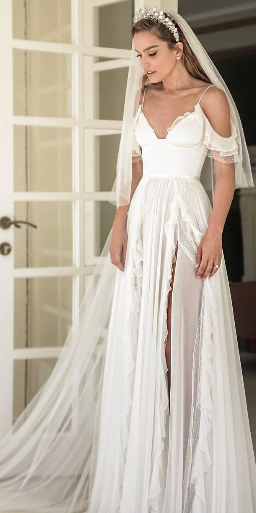 Here Comes The Bride All Dressed In Alon Livne White Wedding Inspirasi Wedding Dresses Wedding Dresses Cinderella Aline Wedding Gowns