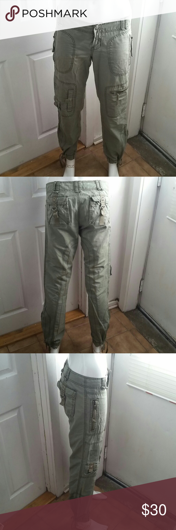Abercrombie Cute, comfortable, lots of pockets, and in great condition. Has ties on the bottom and zippers on the sides. Abercrombie & Fitch Pants