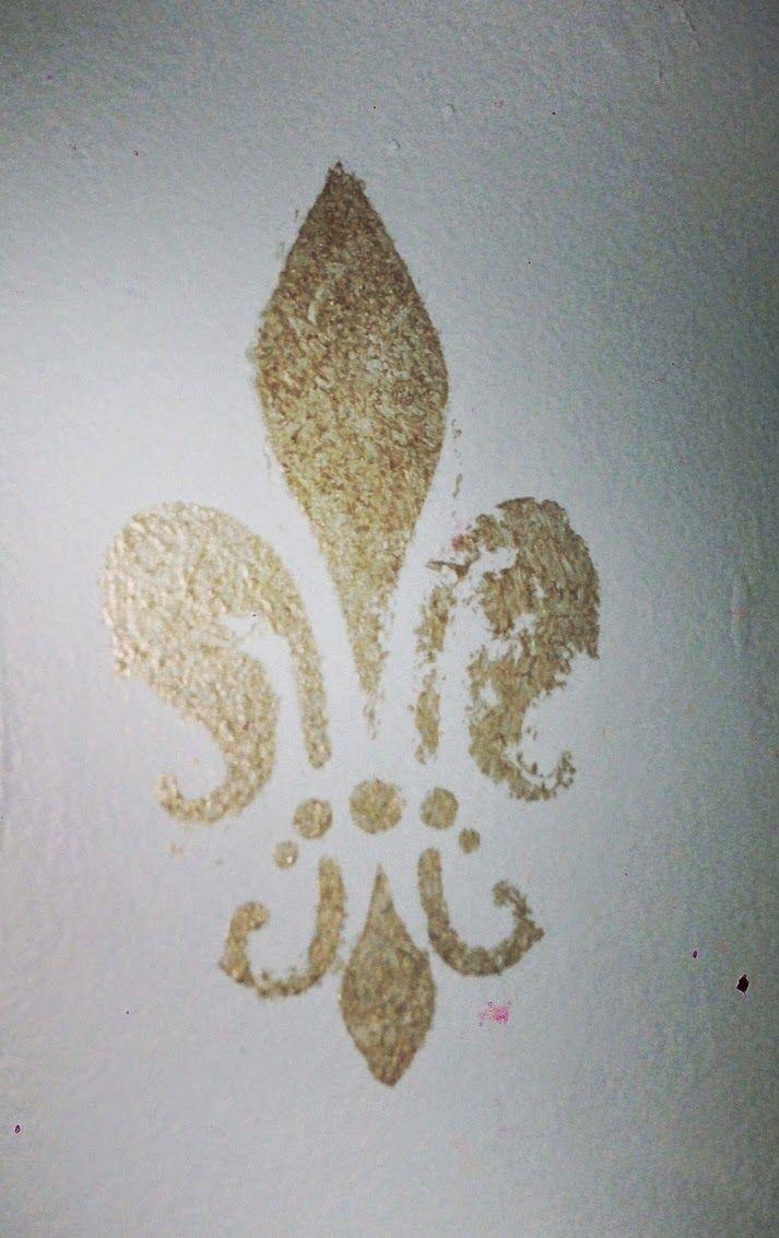 Fleur De Lis Stencil Gold Sponge Paint Modern Masters Sherwin Williams Buoyant Blue Diy Kitchen Project