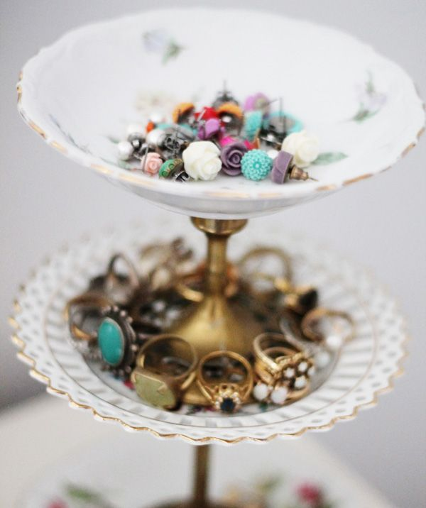 A cute vintage jewelry stand made of 3 saucers/plates and brass candlesticks. I\u0027m always looking for creative storage ideas for all my costume jewelry! & diy - vintage jewelry stand Small vintage dishes/bowls small brass ...