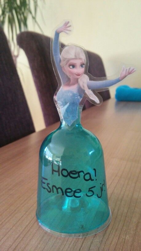 Elsa Van Plastic Wijnglaasje Op Zijn Kop Vullen Hoe Je Wil