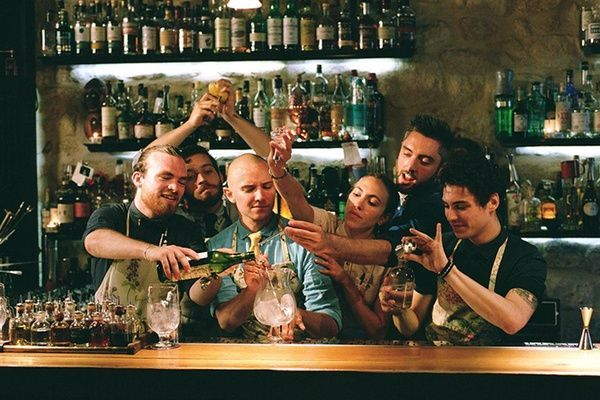 The Bartender's Guide to the Parisian Cocktail Scene