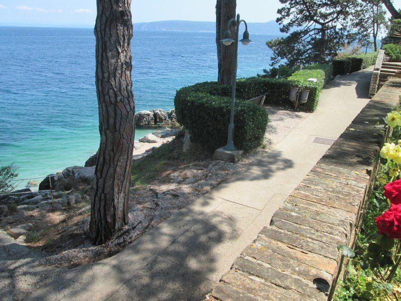 Villa mit Privatstrand in Opatija kaufen. Eine echte Perle