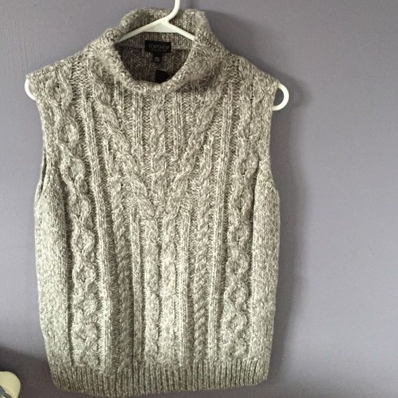 Topshop Cable Knit Tabard Sweater Fits like size (2-4). Light grey. Topshop Sweaters