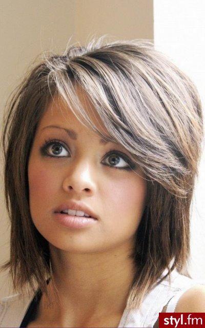 Fryzury Półdługie Dla Cienkich Włosów Szukaj W Google