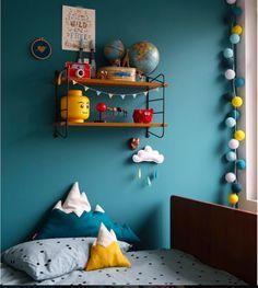 id e couleur t te de lit chambre bleu p trole jaune. Black Bedroom Furniture Sets. Home Design Ideas