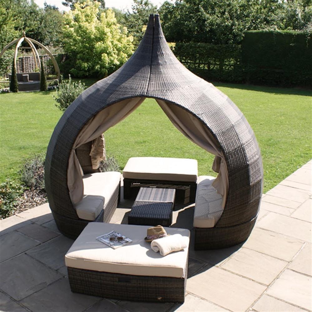 Maze Rattan Peach Daybed Internet Gardener Outdoor Daybed Rattan Garden Furniture Outdoor