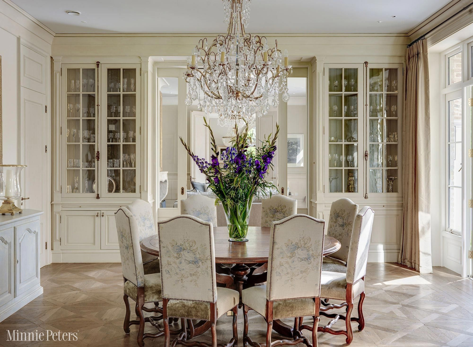 GORGEOUS DINING ROOM DECOR | How Beautiful Is This Dining Room Interior |  Http://www.bocadolobo.com/en/index.php | #diningroom #diningroomdecor