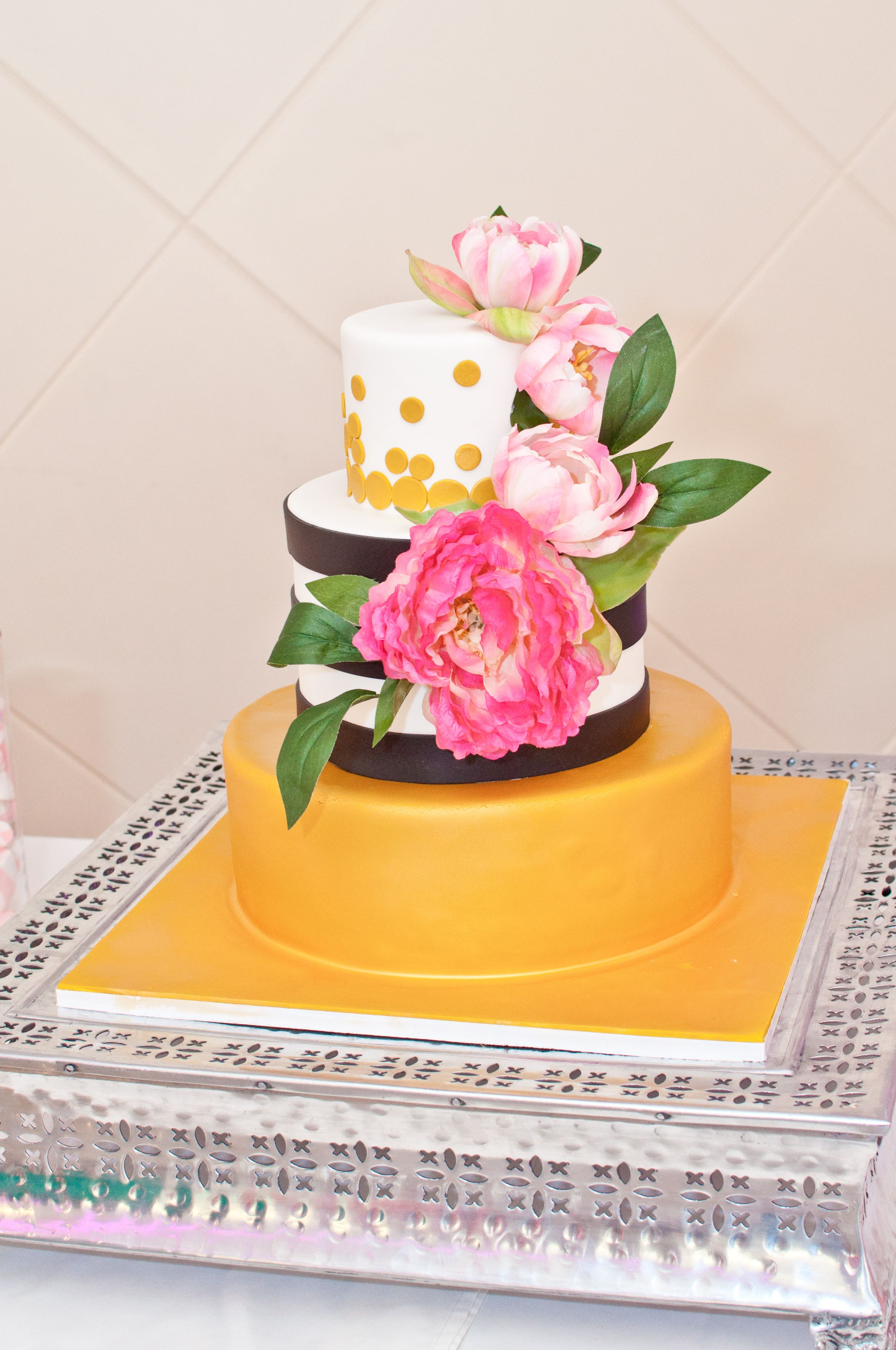 Difference Cake By Palermo S Bakery Event Planning Kaitlin Agulto Weddings Www Photography Margie Picinic Kate Spade Bridal Shower