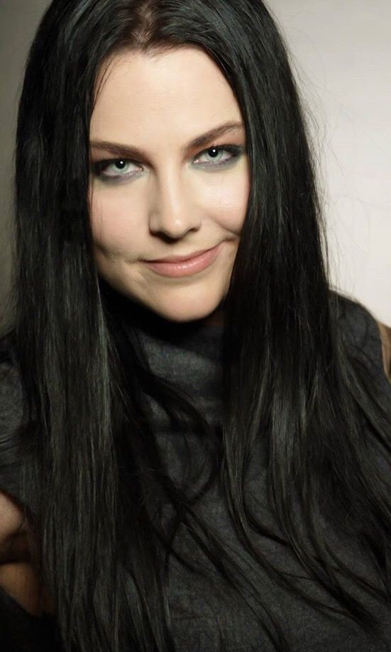 Amy Lee height weight