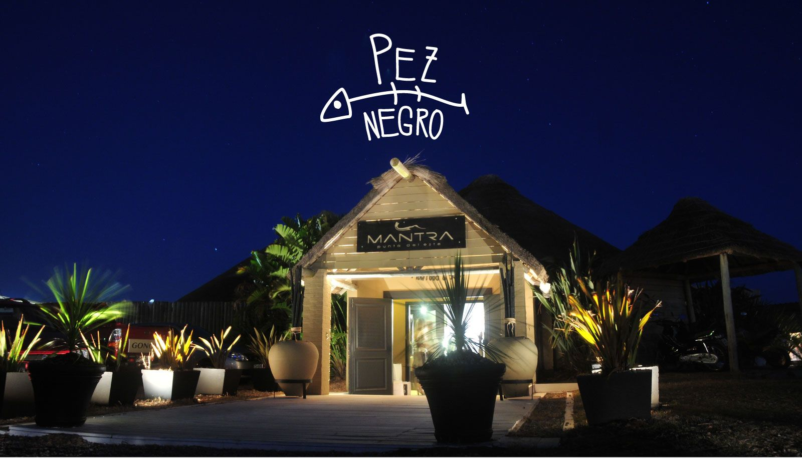 Pez Negro At Mantra Beach Punta Del Este Mantra Beach Club  # Eduardo Pez Muebles