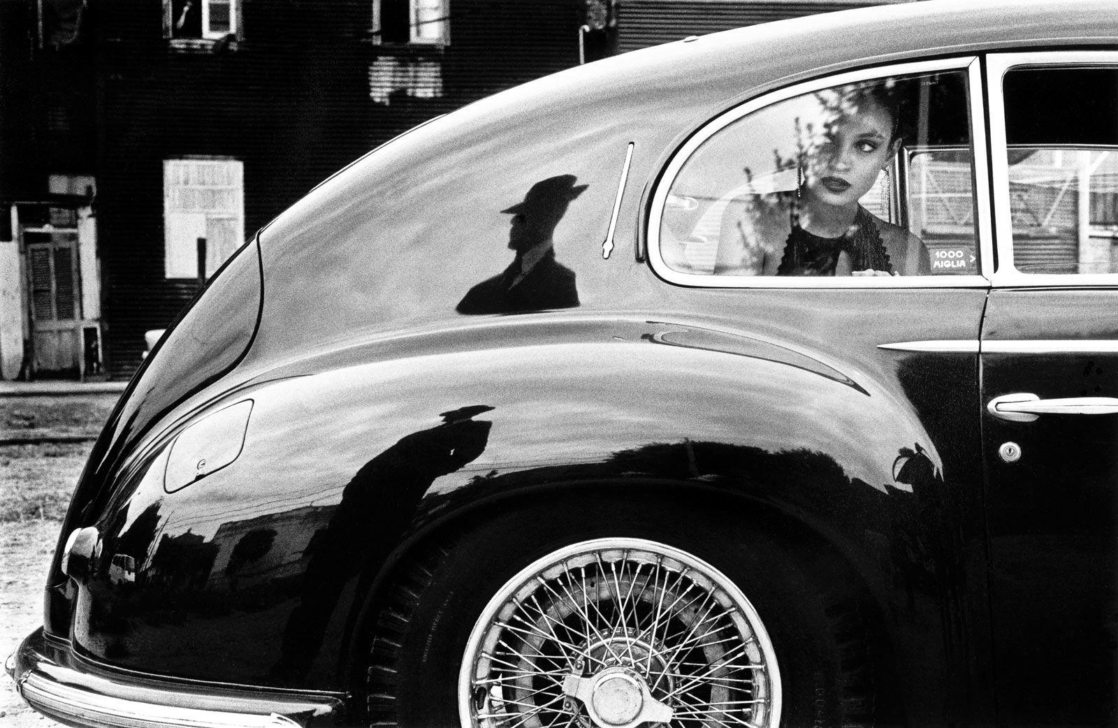 The Spirit of Tango, by Christopher Pillitz -  Alfa Romeo 6C 2500 Freccia d'Oro.