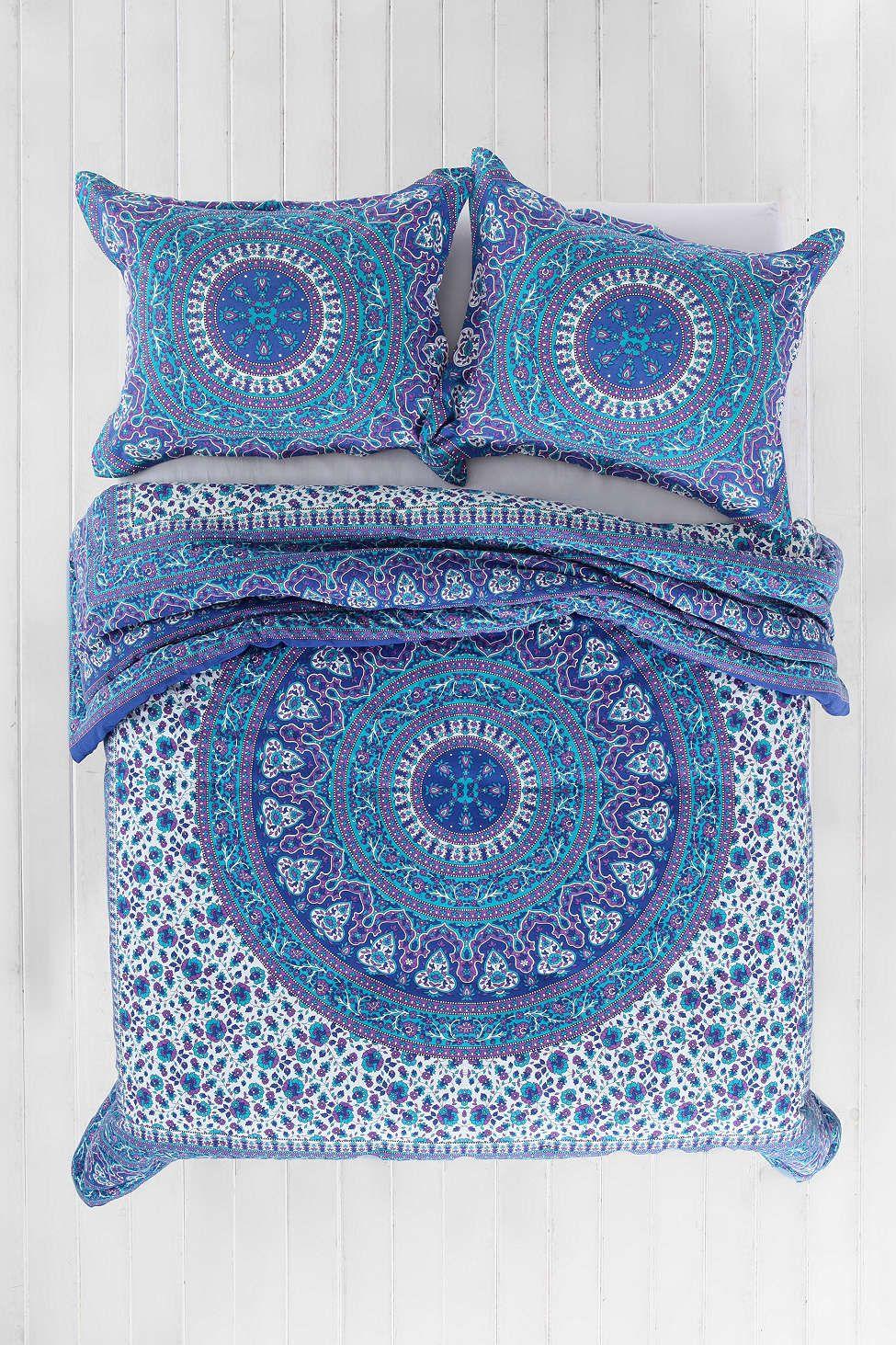 Magical Thinking Ophelia Medallion Comforter httpwwwurbanoutfitterscom urbancatalogproductdetailjspidu003d32159519u0026parentidu003dBRANDS