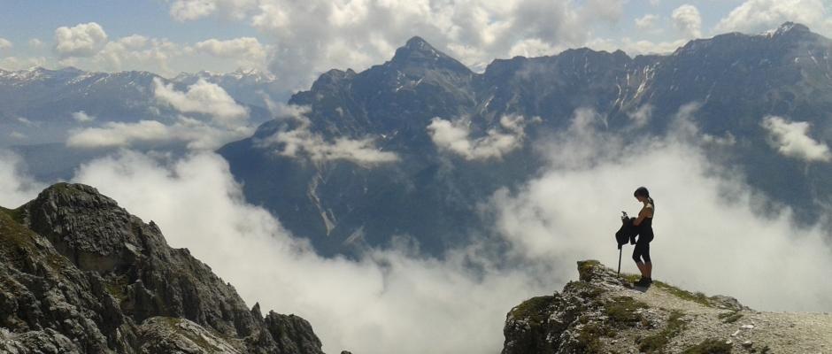 Autor: Born Globals. Łatwy trekking w austriackich Alpach w dolinie Stubai.