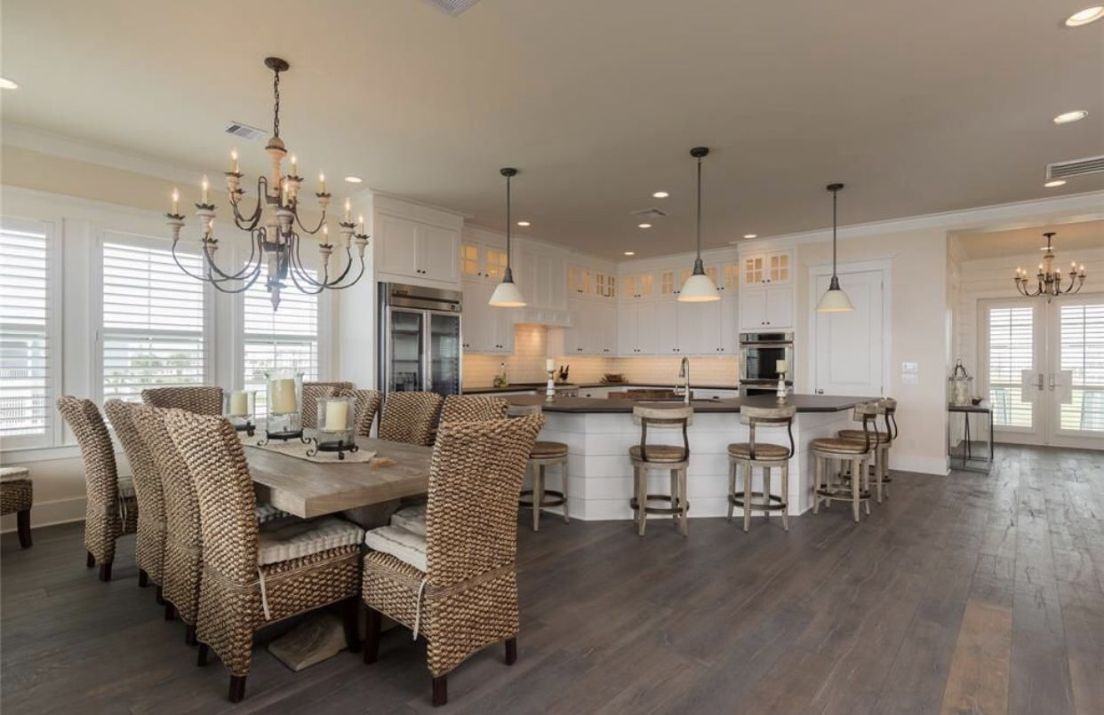 Beach bum house beautiful homes interior decorating of beauty also pin by christi blakley reeves on in rh ar pinterest