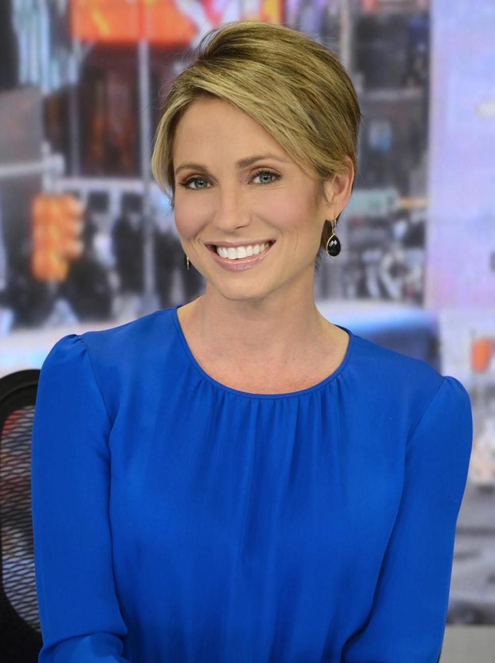 Outfit Inspiration Amy Robach Sports Hairstyles Short Hair Styles