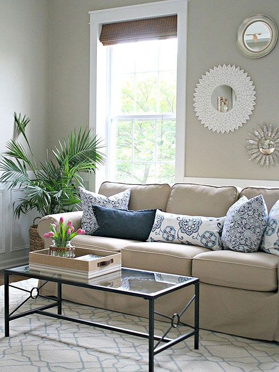 Merveilleux Sarah Of Thrifty Decor Chick Used This Comfortable Beige Sofa As The Anchor  Of Her Quickie Living Room Makeover. (Everything Else Is Just Clever ...