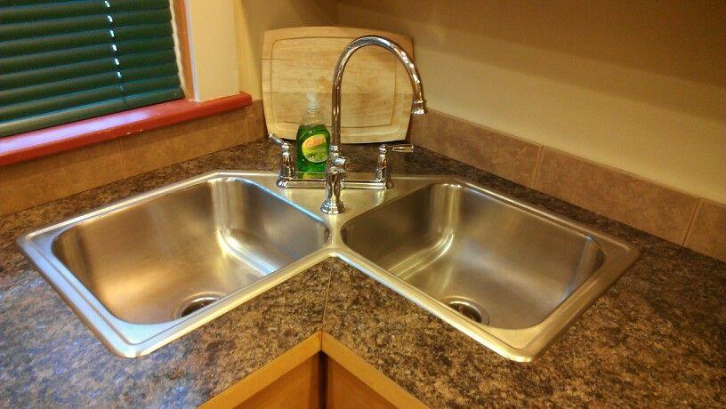 Corner sink for small kitchen | Cosas para ponerme | Pinterest ...