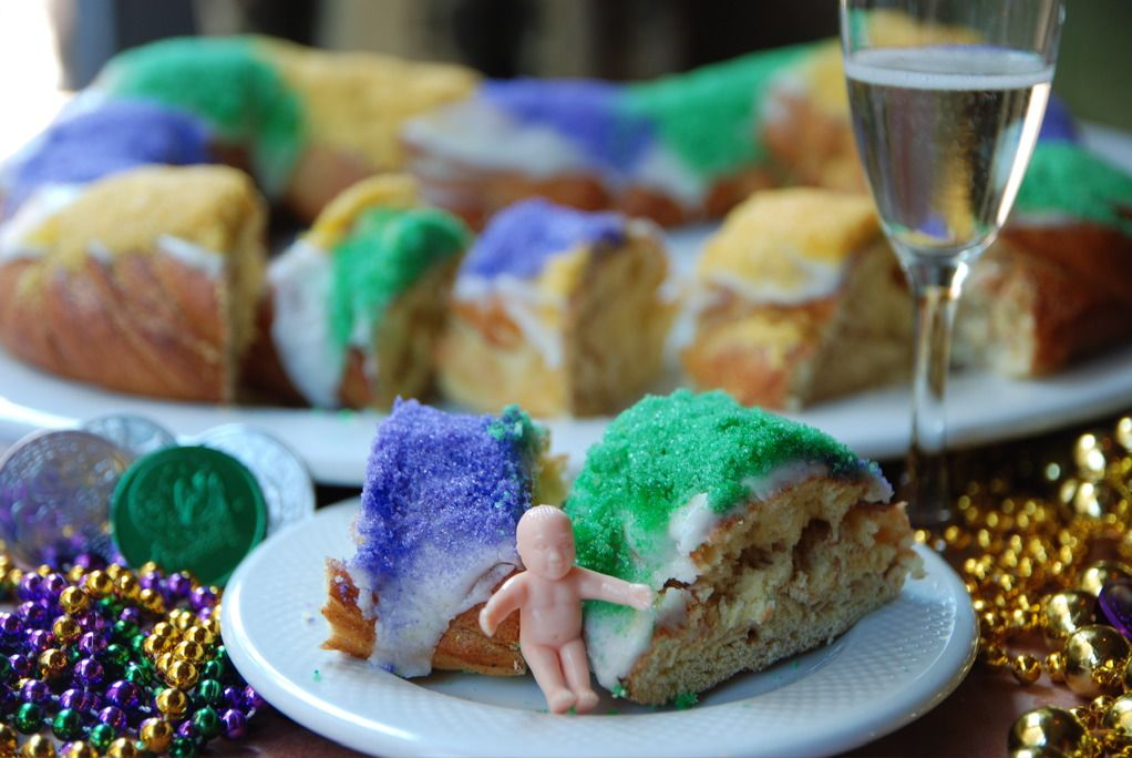 The History Of The King Cake The Best Carnival Season Tradition