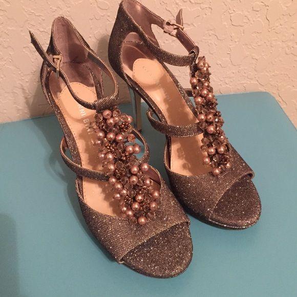 Gianni Bini heels size 8.5 Beautiful, never worn. Copper/gold shimmer. Gianni Bini Shoes Heels