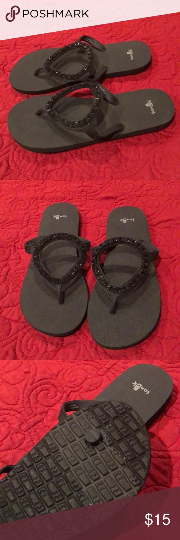 02907a5c18dc34 Sanuk sparkly flip flops NWOT. Black Sanuk sparkly flip flops. Never been  worn.