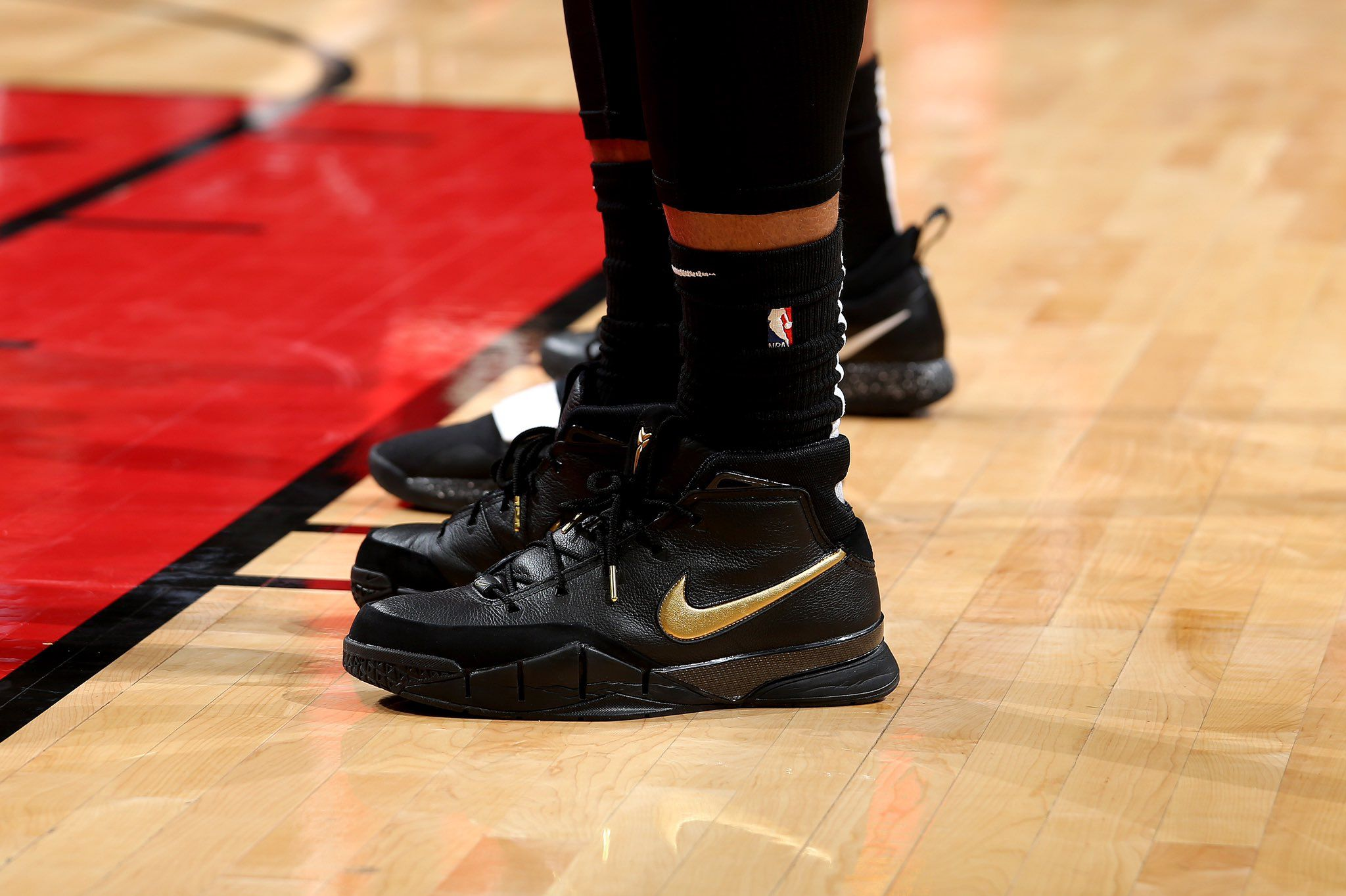 d6af6bc1871 San Antonio Spurs (18-19) DeMar DeRozan Nike Zoom Kobe 1 Protro ...