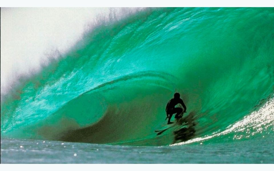 Ven a surfear en la única Ola Verde del mundo                              …