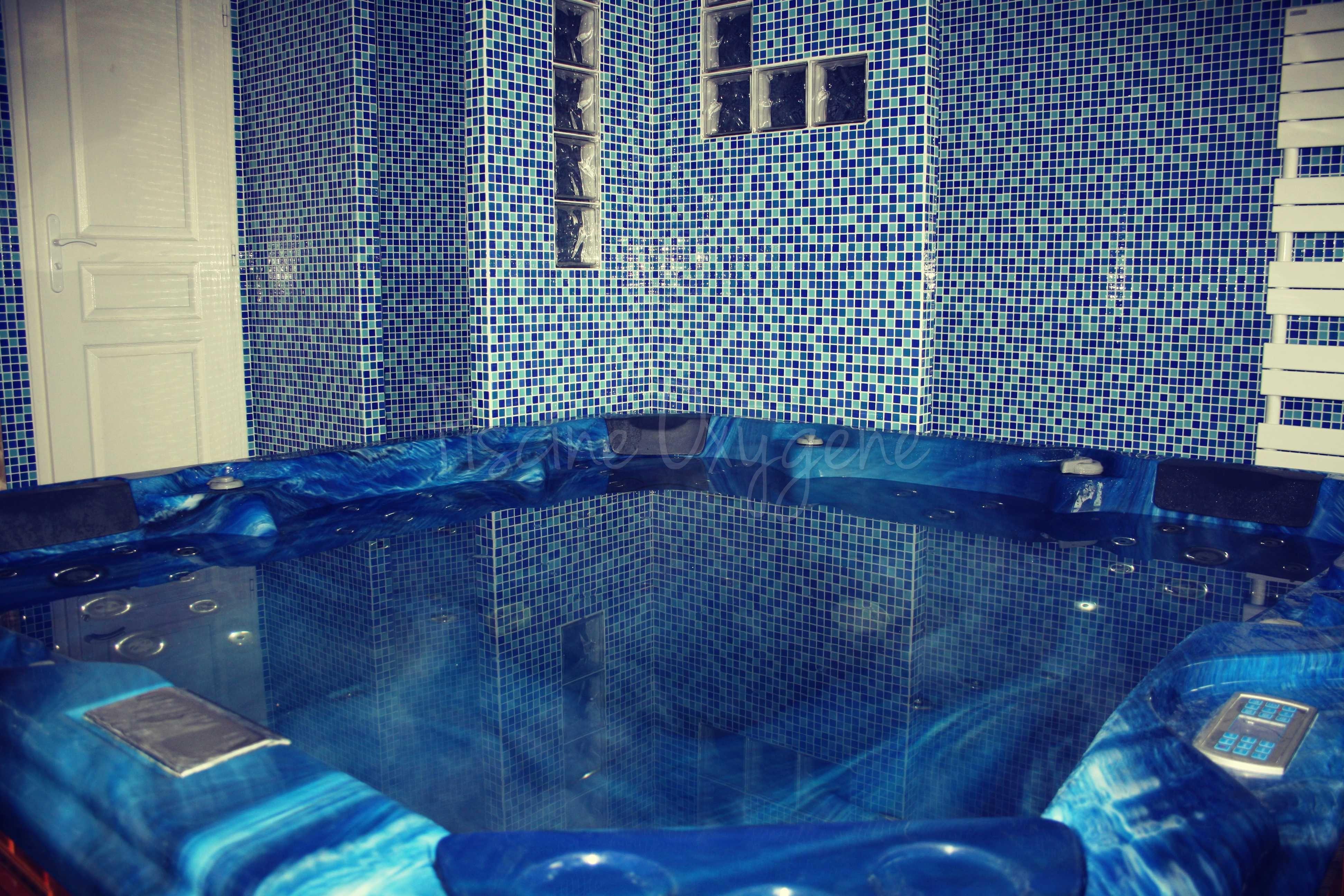 Piece De Spa Interieur On Est Pas Bien La Spa Bleu