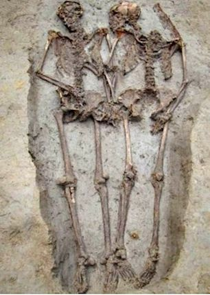 Couple buried toghether in 6th/7th century CE unearthed still hand in hand in Modena, IT (October 2011). Originally, husband and wife were also face to face, but the flooding of the Serchia river gave the skull of him a spin