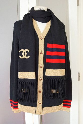 Chanel cashmere cardigan with matching scarf bold CC metallic details -  divine buttons 6a96012ff