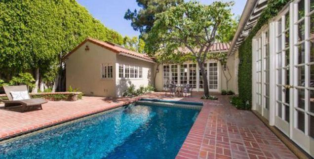 Jodie Foster Selling Los Angeles Estate, Asking $5.75 Million   Radar Online