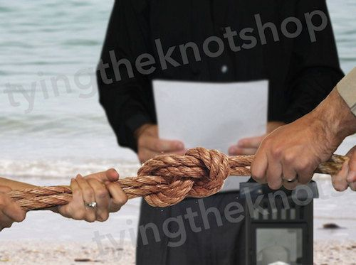 THIS LISTING IS FOR (1) TYING THE KNOT WEDDING CEREMONY KIT  Items included in the Kit: (2) 48 Long Traditional Brown Ropes (1) Instructions