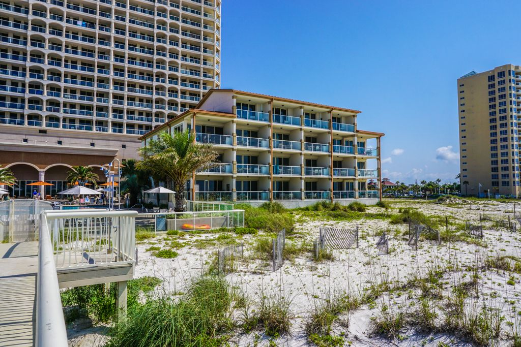 Beach Club 102b One Of A Kind Direct Gulf Front 3 Bedroom 3 Bath Condo The Outdoor Pool Hot Tub And Pool Deck Indoor Hot Tub Outdoor Pool Vacation Condos