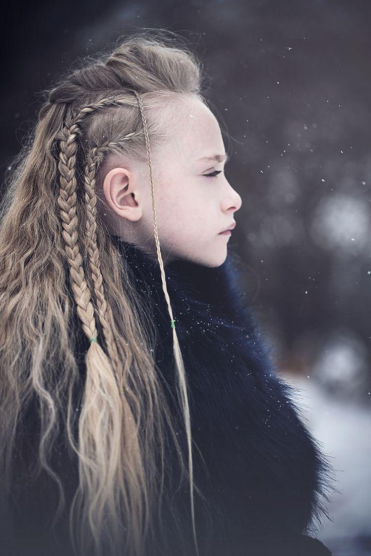 Wikinger inspiriert geflochtenes langes Haar Winterporträt Buffalo NY Kristen R
