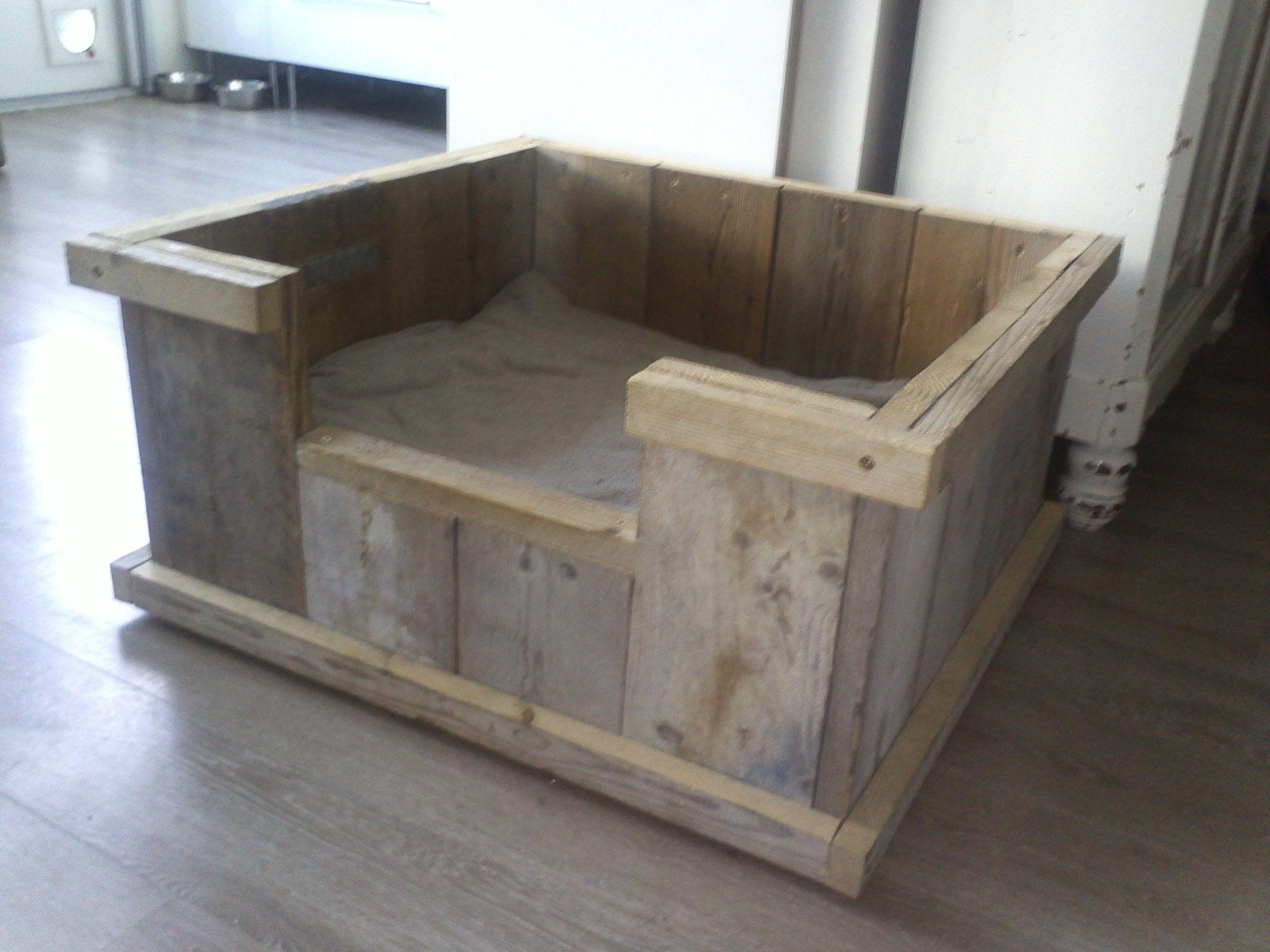 Steigerhouten hondenmand leuk om zelf te maken for Zelf meubels maken van hout