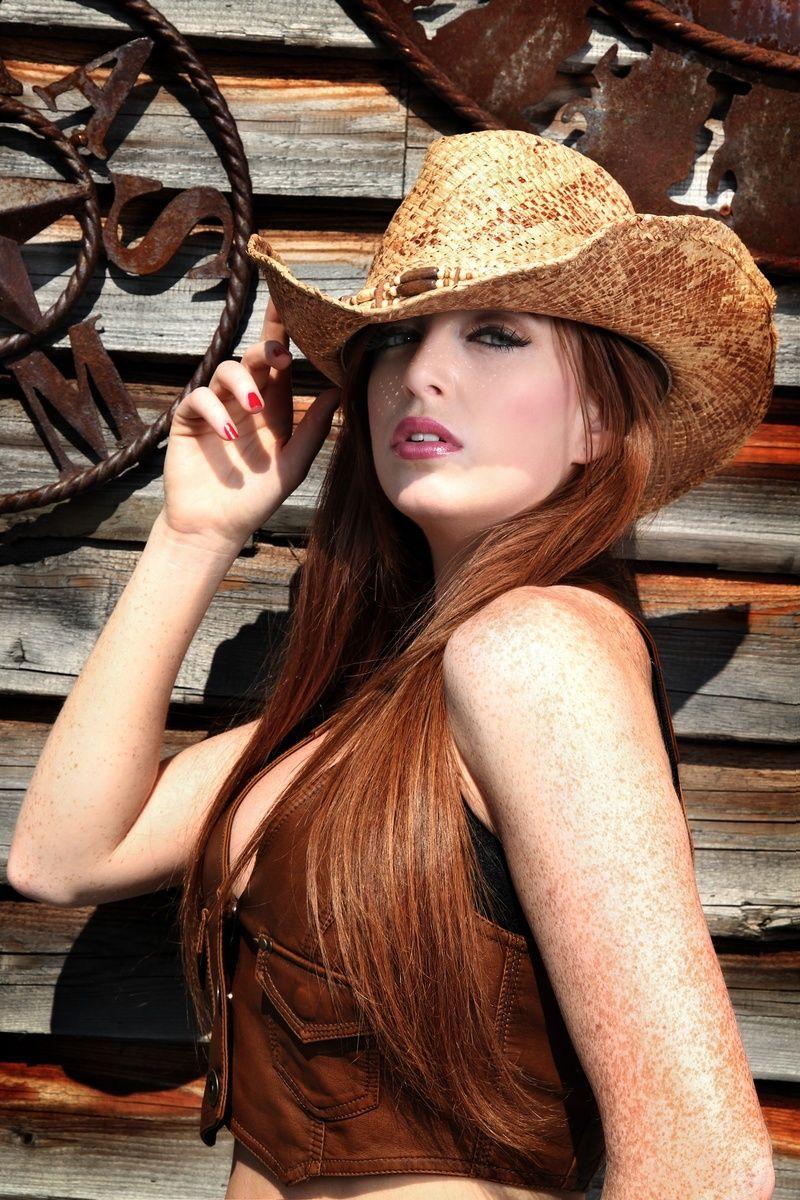 Cleavage Alexandra Agoston nudes (19 photos), Topless, Paparazzi, Boobs, lingerie 2006