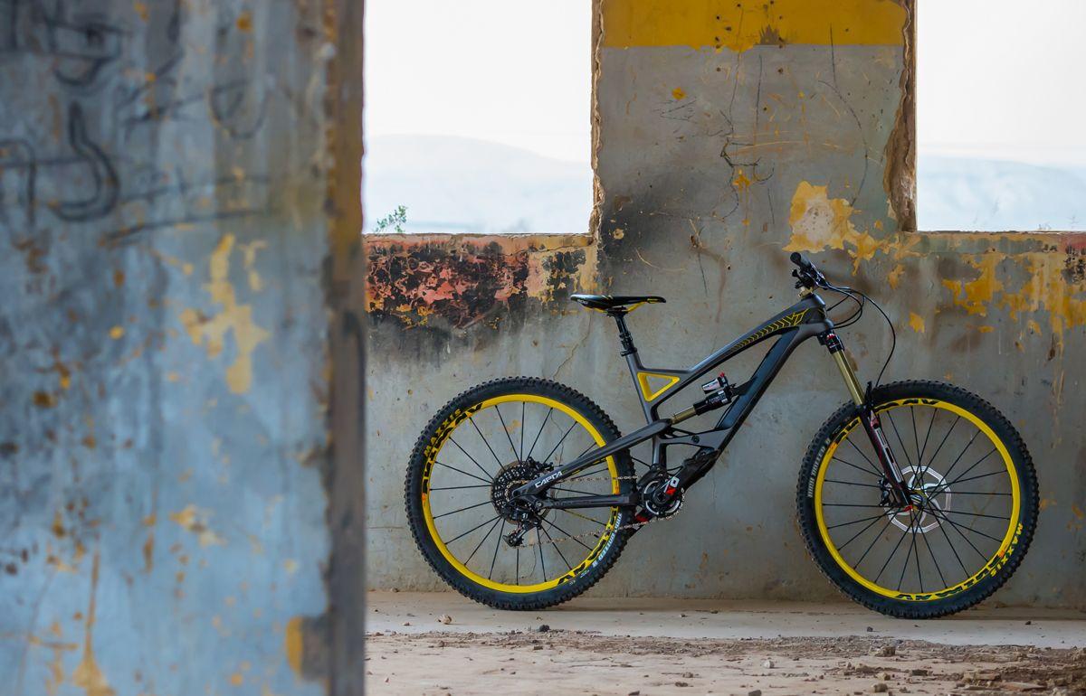 Yt Capra 2014 170mm Travel Enduro Weapon I Like Bike Bike