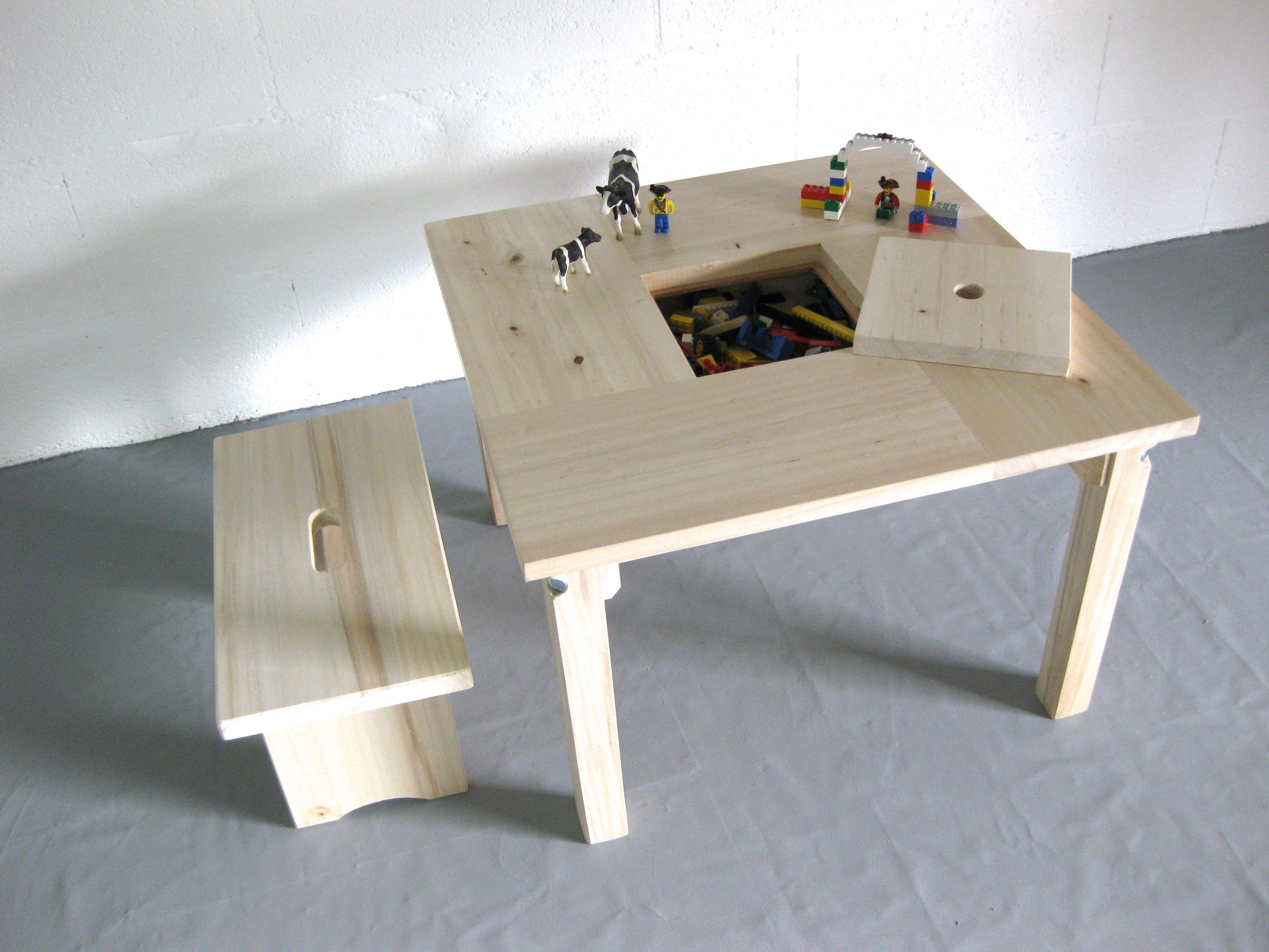 Table enfant en bois naturel avec casier de rangement