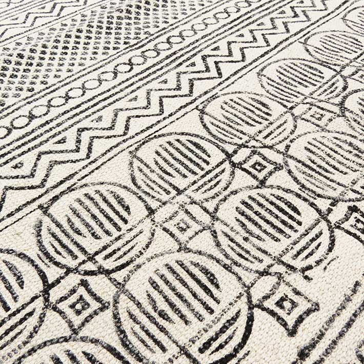 White and black cotton block print area accent dhurrie rug woven flat weave 3 x 4 x 5 x 7 ft