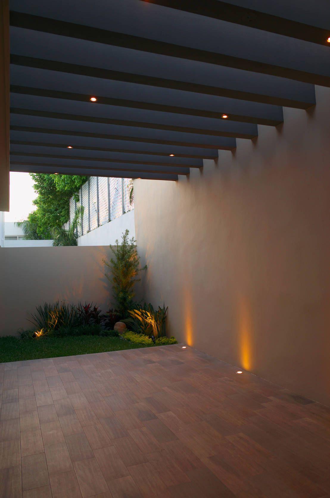 Patio Paredes Y Suelos Modernos De Fc3arquitectura Casa Patio