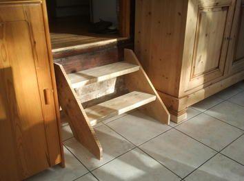 Petit Escalier Ou Marche Pied.